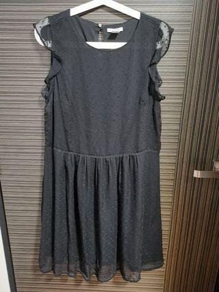 🚚 H&m black dress