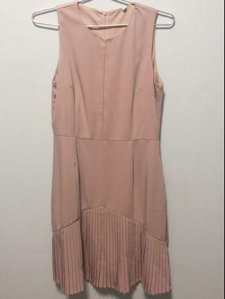 🚚 Pink Pleated Dress