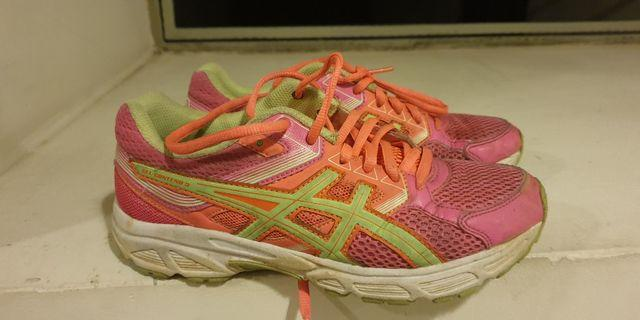 fdc508e37da9a Asics girls running shoe