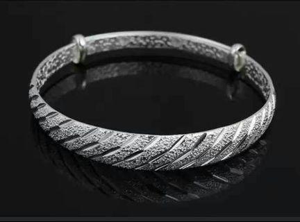 🚚 維拉流星雨925純銀手環(喜歡可聊)