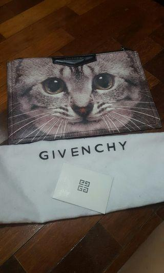 Givenchy Clutch FREE 💌