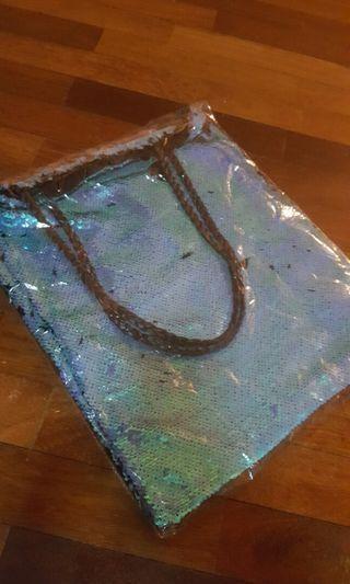 Sequin bag FREE 💌