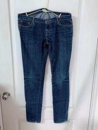 薄款牛仔褲