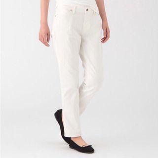 🚚 無印良品 boyfriend 錐型白色牛仔丹寧九分褲