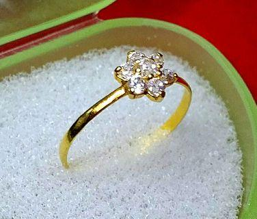 Real 916 gold flower ring with 7 small white stone