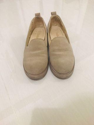 🚚 麂皮樂福鞋 22.5號