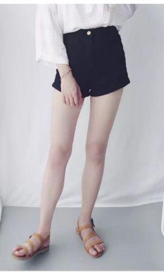 🚚 低腰款黑色短褲