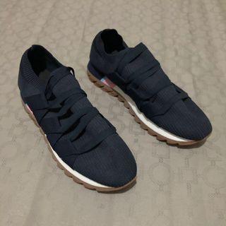 Trafaluc sneakers