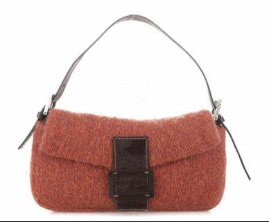 VGC Fendi baguette in red knit. Sz: 28 x 17 cm. Kelengkapan: bag only