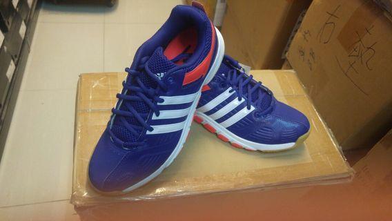 正版 ADIDAS B44327 羽毛球鞋