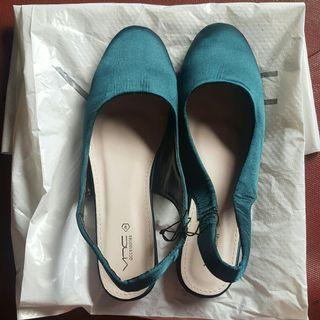 NEW! VNC Flat Shoes Size 37