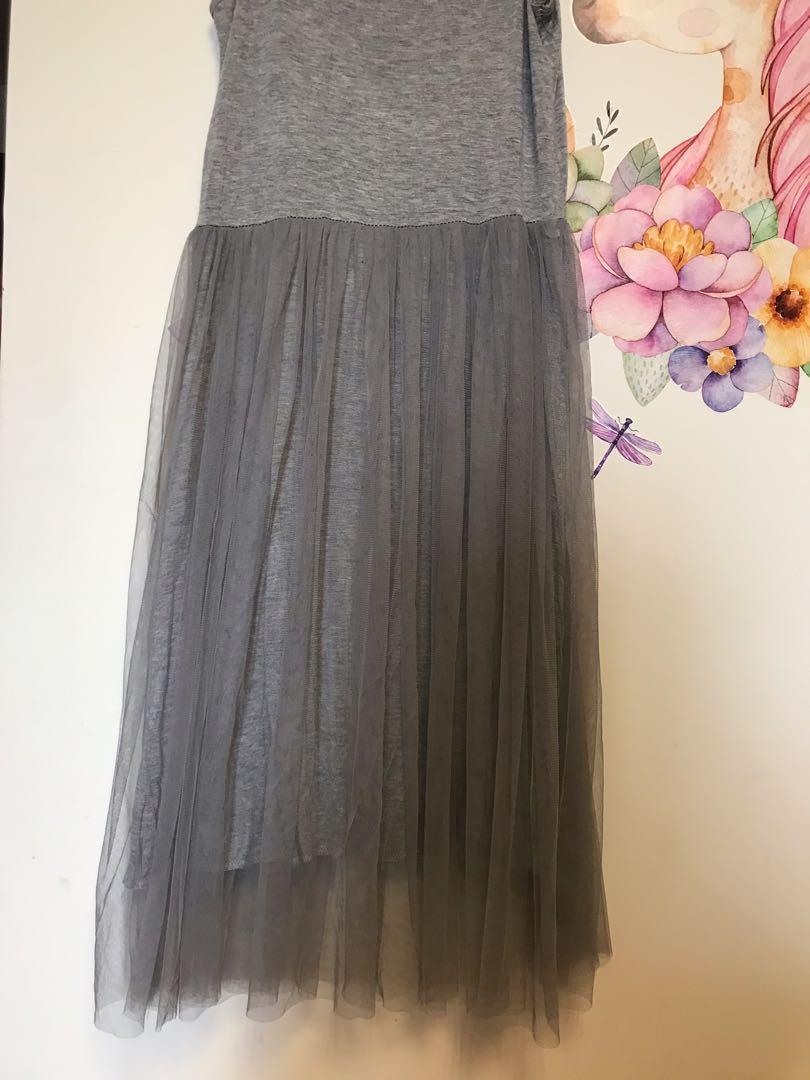 細肩灰色紗裙洋裝
