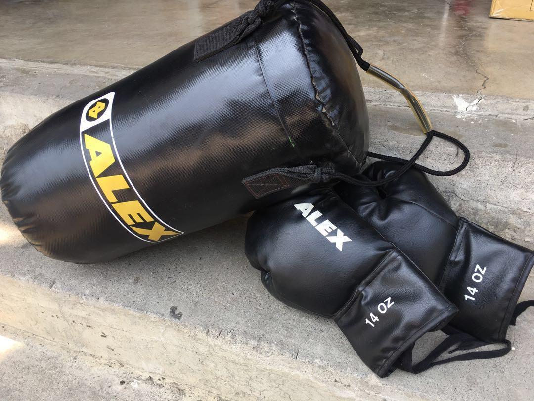 拳擊手套、沙包「一套」