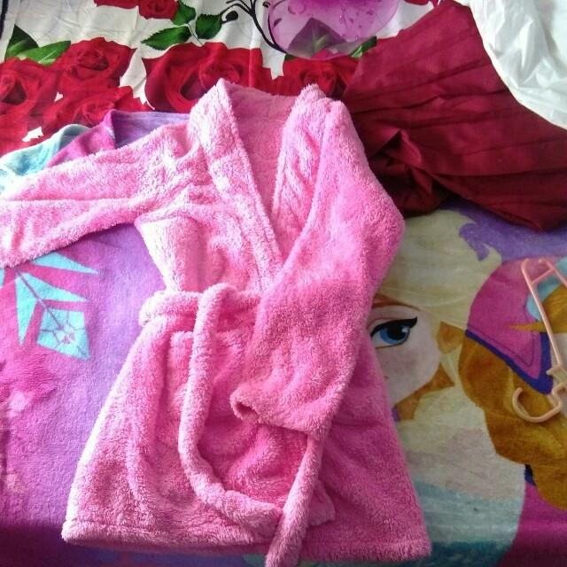 Baju mandi pink bulu