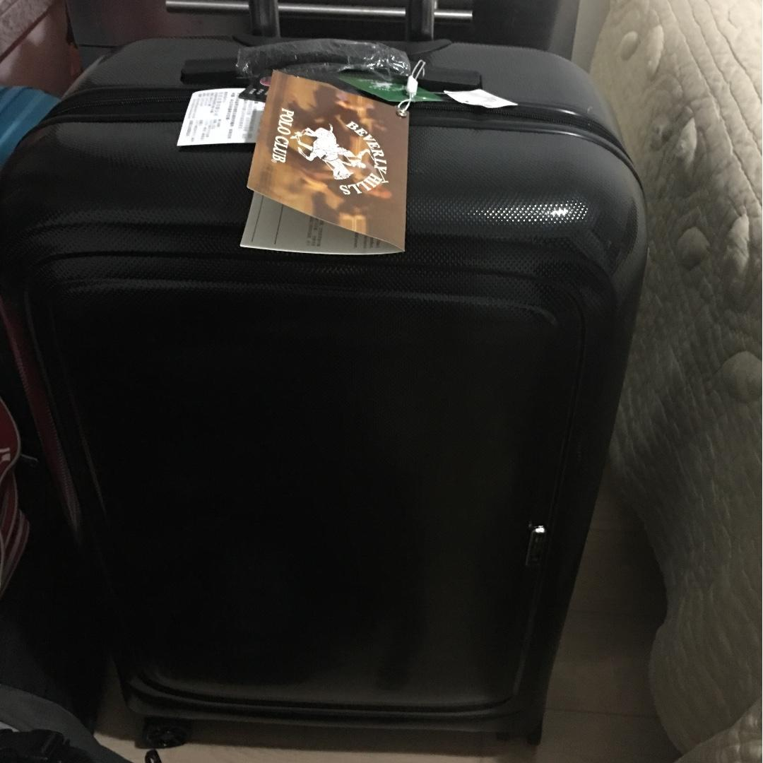 brand new luggage 28'' Beverly Hills polo club