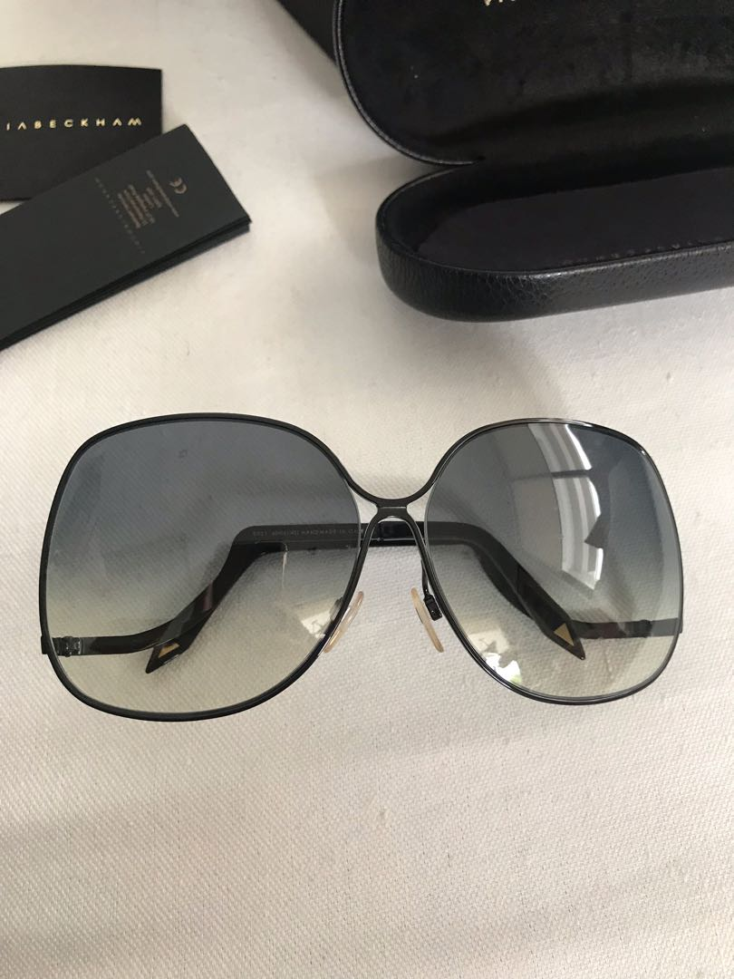 c833c58c0a1c Excellent condition authentic Victoria Beckham black edgy shades ...