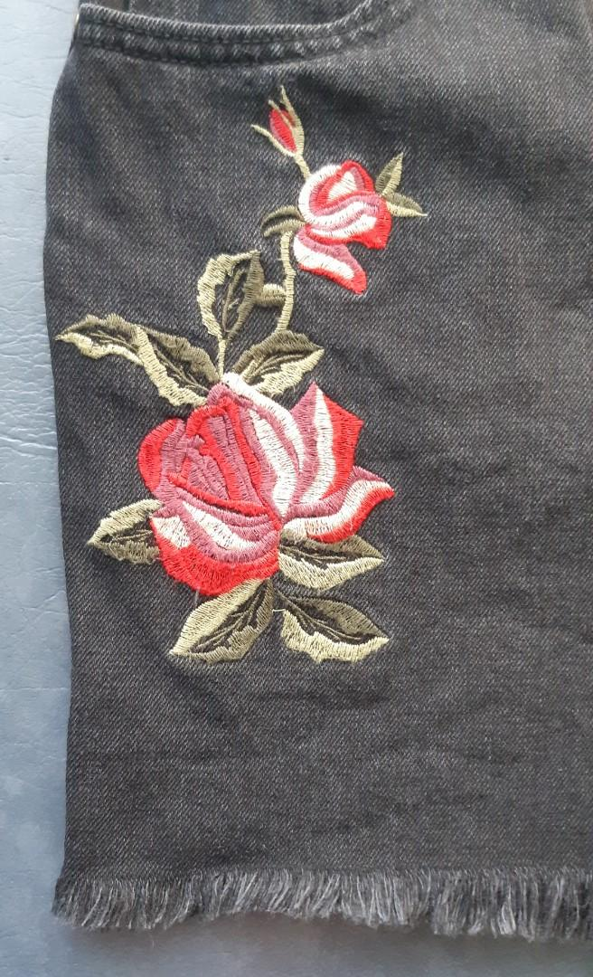 Ghanda black denim shorts high waisted embroidery design 8 10 small