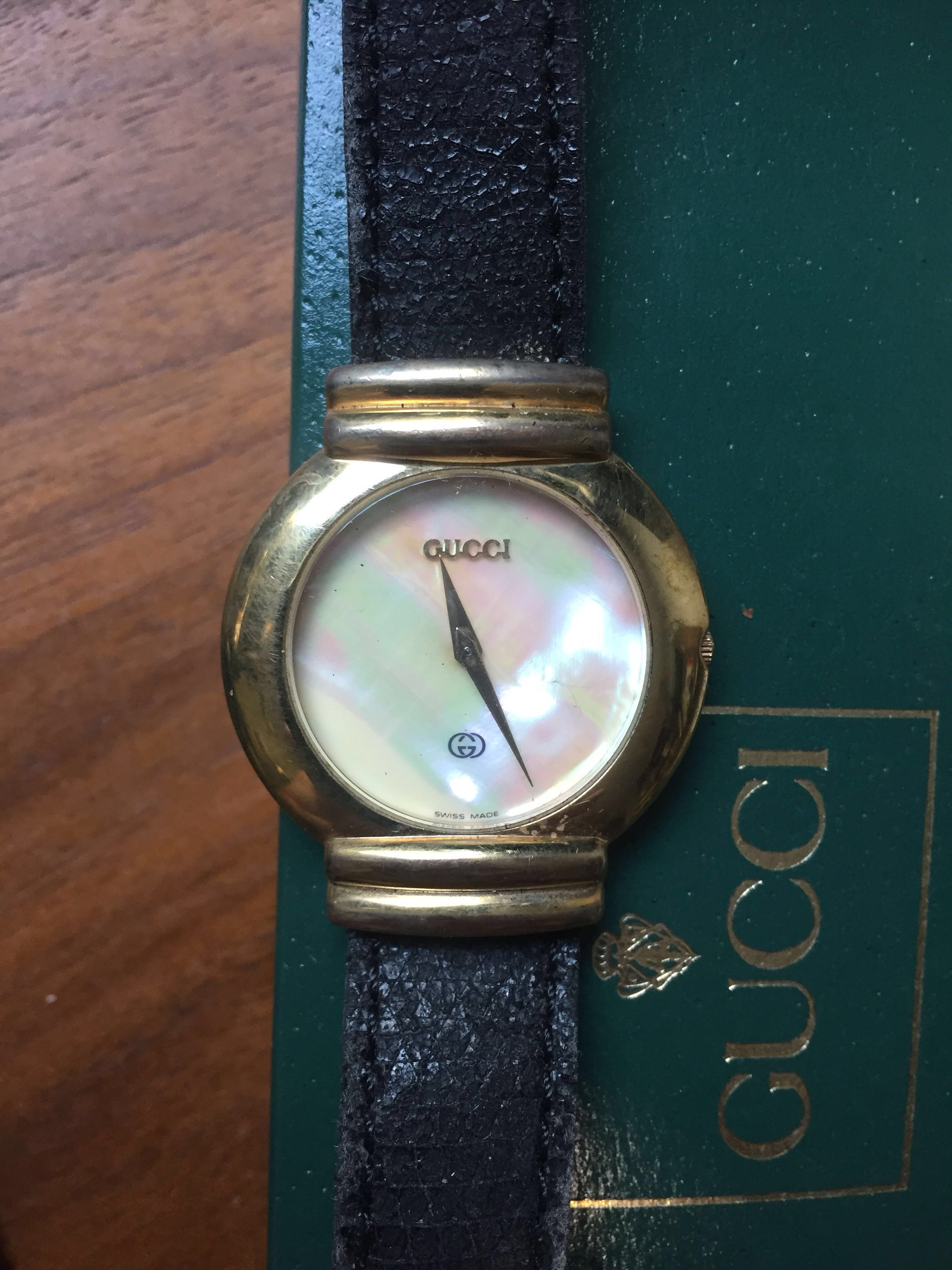 dfd9b81fe1b Gucci Mother Of Pearl Vintage Ladies  Watch from 90s Model  5300M ...