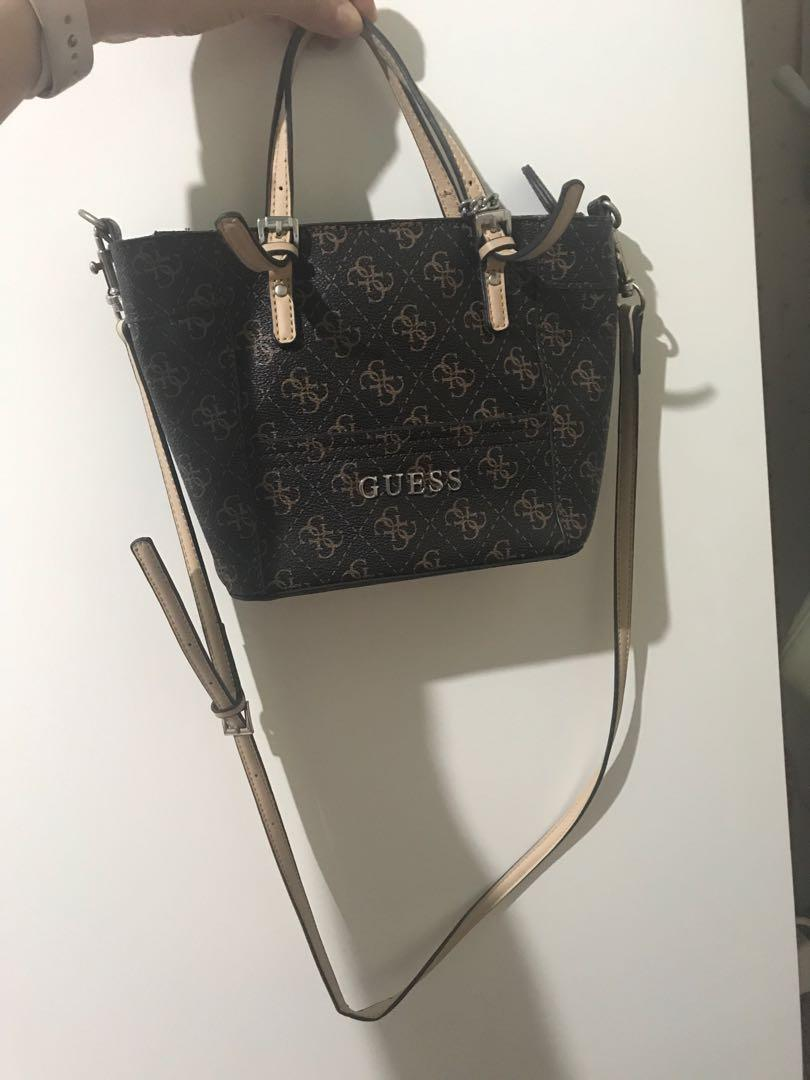 Guess sling bag mini