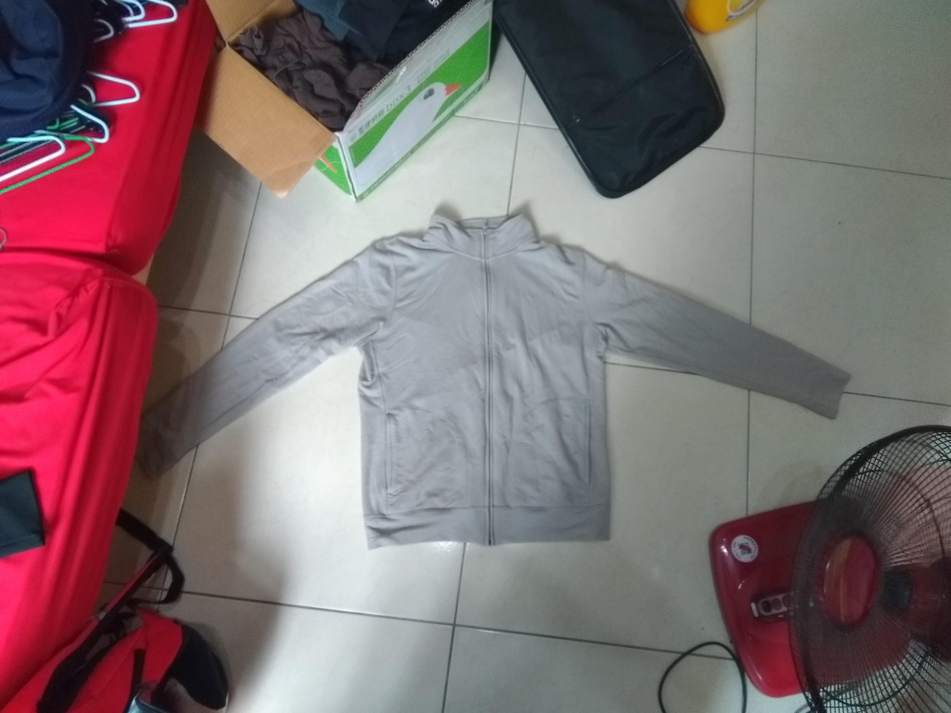 Dry-fit外套灰色M二手