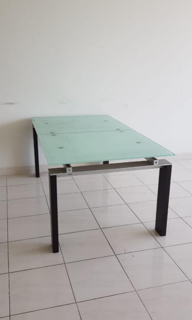 Meja makan / meja meeting