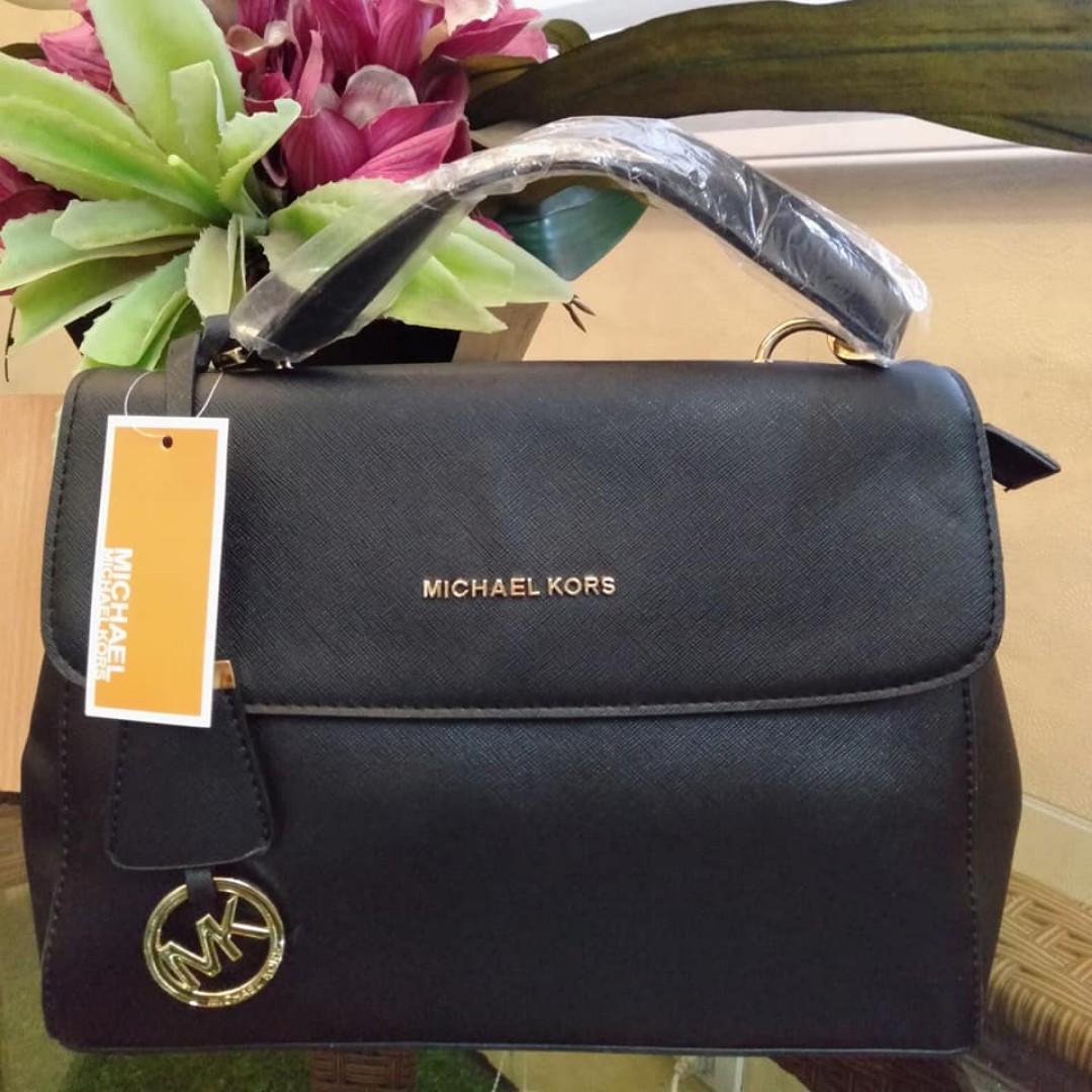5f216c8ad080 MK Bag Michael Kors Signature Logo Monogram Hand Bag Sling Bag Detachable  Strap Women's Bag BLACK on Carousell