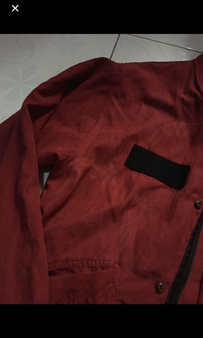 parka merah maroon