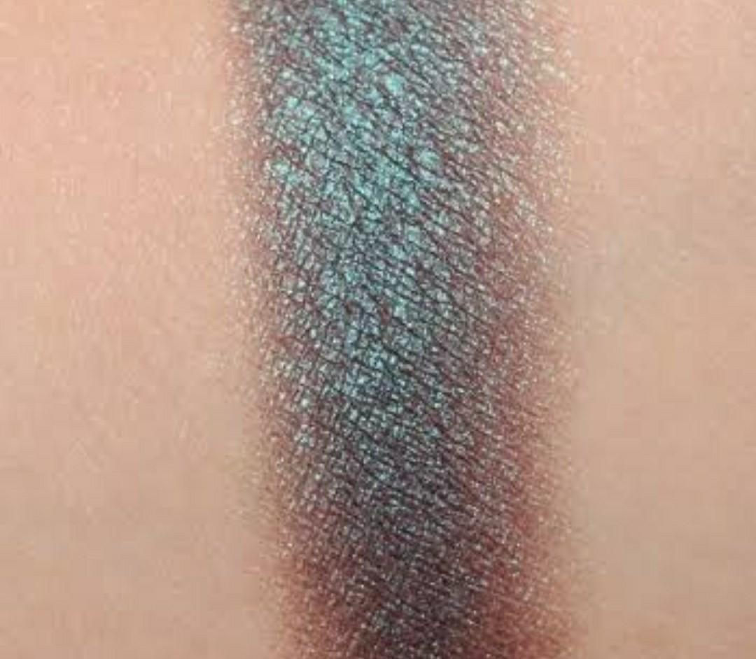 Secret Garden DuoChrome Makeup Geek pressed eyeshadow
