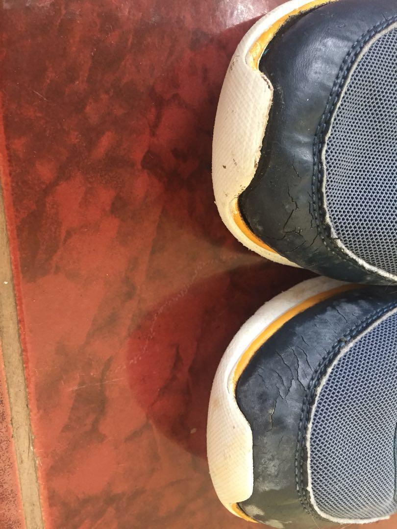 Skechers size 40 navy slip on second