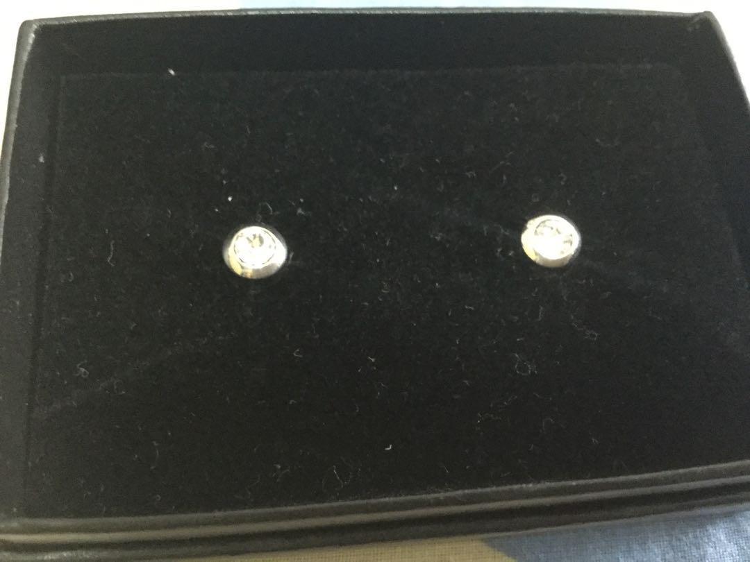Swarovski diamonds ear stud