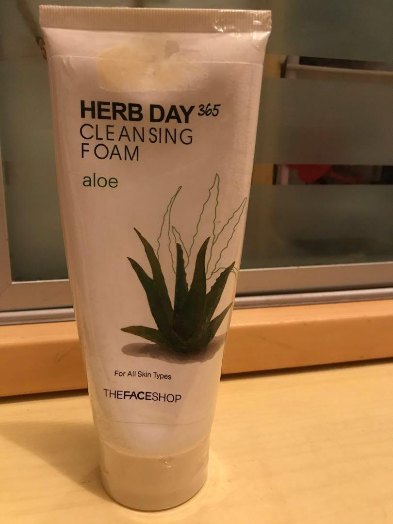 The FACE Shop 蘆薈潔面膏 Herb Day Cleansing Foam (Aloe)