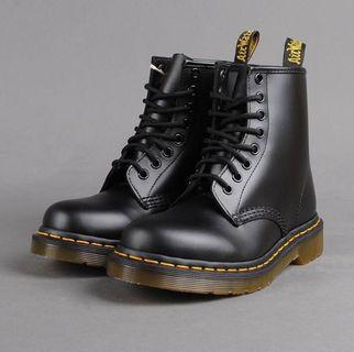 🚚 Dr.Martens-經典8孔馬丁鞋