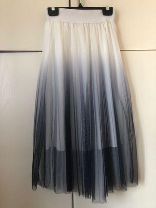 藍白色紗裙