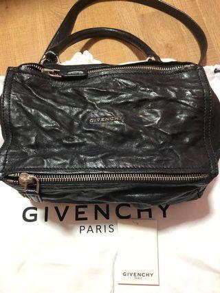 🚚 Givenchy Pandora Small