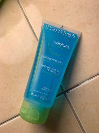 Bioderma cleansing foaming gel