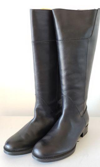Tod's Black Leather Boots (Size 7)