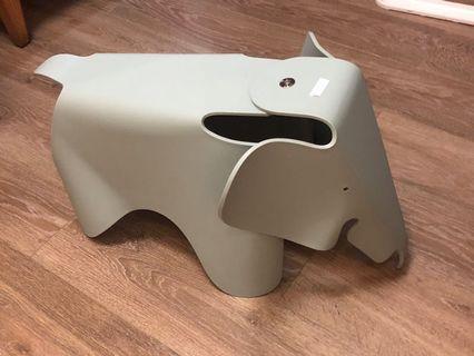 Original Eames elephant