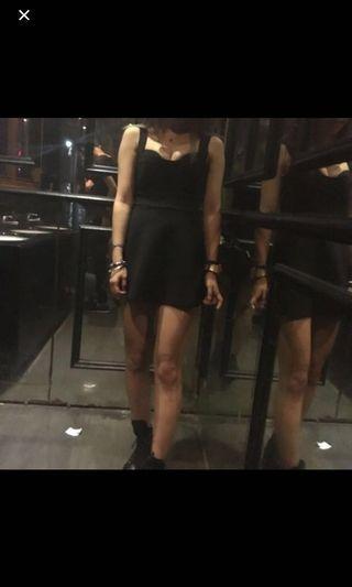 🚚 黑色修身傘狀洋裝