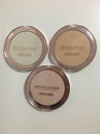 Makeup Revolution Skin Kiss Highlighters