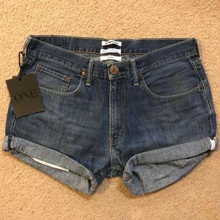 One Tea Spoon Jean Shorts (L)