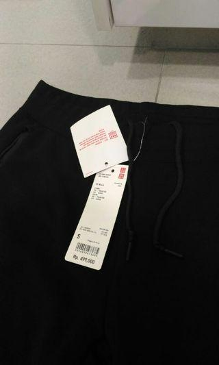 🚚 Celana sweat from Uniqlo brands new , i bough from indonesia