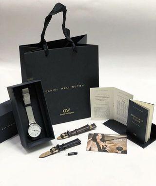 Daniel Wellington Classic Petite Sterling white 32mm