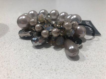 Pearl bangle
