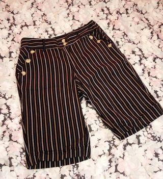 🚚 條紋短褲