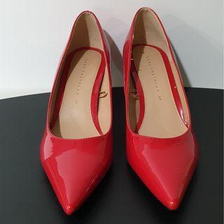 🚚 Zara Patent Heels in Red