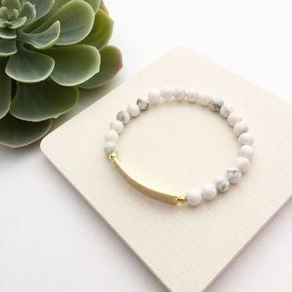 Howlite Beads with Personalised  Name Bar Bracelet