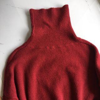 🚚 討喜的紅色高領毛衣