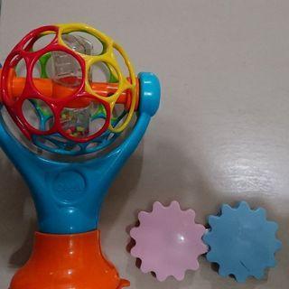 🚚 嬰幼兒玩具愛因斯坦球oball魔力動洞球兩樣合售