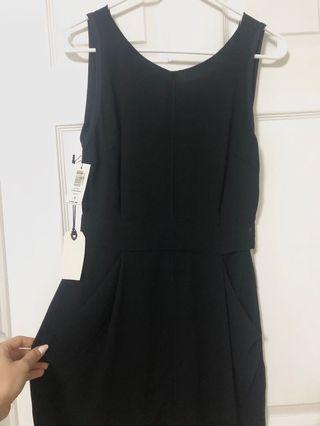 NWT Aritzia Wilfred Lelia Black Dress size 2