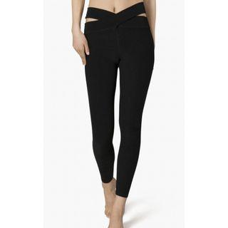 Beyond Yoga Women's East Bound Leggings (Black)